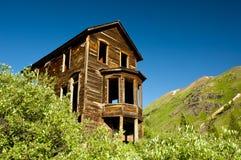 Edificio viejo en un pueblo fantasma Fotos de archivo libres de regalías