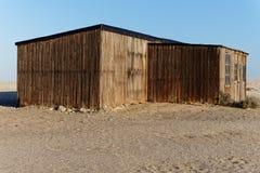 Edificio viejo rígido en la estación histórica de la caza de ballenas, bahía de Meob, Namibia foto de archivo