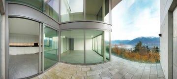Edificio, visión desde la terraza Imagenes de archivo