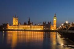 Edificio y Ben grande Londres Inglaterra del parlamento Fotografía de archivo libre de regalías