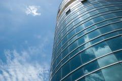 Edificio y cielo Fotos de archivo libres de regalías