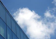 Edificio y cielo Fotografía de archivo
