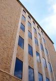 Edificio y cielo Imagenes de archivo