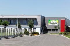 Edificio y fábrica de Bonduelle en Francia imagen de archivo libre de regalías