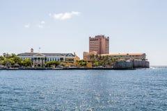 Edificio y hotel del gobierno en Curaçao Foto de archivo