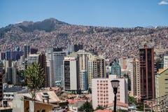 Edificio y paisaje urbano en La Paz en Bolivia Imágenes de archivo libres de regalías