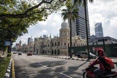 Edificio y señal históricos a lo largo del rajá de Jalan adentro del cuadrado de Dataran Merdeka, Kuala Lumpur, Malasia Fotos de archivo libres de regalías