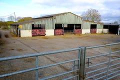 Edificios agrícolas para los animales imagenes de archivo