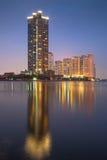 Edificios altos de apartamentos Fotografía de archivo libre de regalías