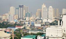 Edificios altos en Manila, Filipinas Fotografía de archivo