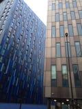 Edificios azules y marrones de la torre Imágenes de archivo libres de regalías