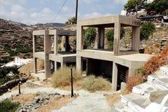 Edificios bajo construcción en el pueblo tradicional de Kastro, isla de Sifnos, Grecia Foto de archivo libre de regalías