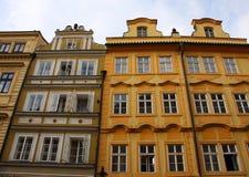 Edificios coloridos viejos Foto de archivo libre de regalías