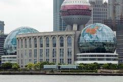 Edificios con las esferas Imágenes de archivo libres de regalías