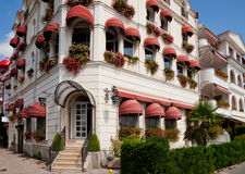 Edificios con los toldos en Ohrid Fotos de archivo libres de regalías
