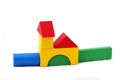 Edificios construidos fuera del juguete Imagenes de archivo