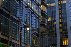 Edificios corporativos imagenes de archivo