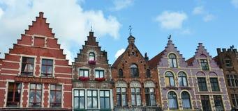 Edificios cuadrados de Grote Markt en la ciudad medieval Brujas, Flandes, Bélgica imagen de archivo libre de regalías