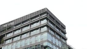 Edificios de cristal modernos Actividades bancarias del banco Fondo del asunto almacen de metraje de vídeo