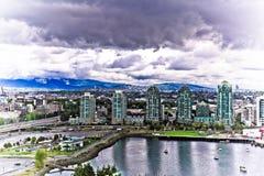 Edificios de highrise modernos del paisaje urbano de Vancouver foto de archivo libre de regalías