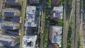 Edificios de la ciudad aéreos almacen de metraje de vídeo