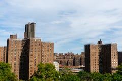 Edificios de la propiedad horizontal en Nueva York, los E.E.U.U. fotografía de archivo libre de regalías