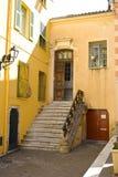 Edificios de ladrillo viejos del aplique de Windows del chalet de la casa Imagen de archivo libre de regalías