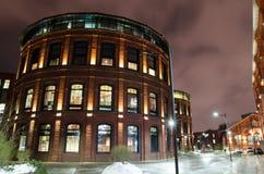 Edificios de las noches en la exposición larga Imagenes de archivo