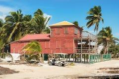 Edificios de madera en el calafate de Caye, Belice fotos de archivo libres de regalías
