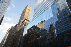 Edificios de Manhattan Imágenes de archivo libres de regalías