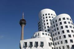 Edificios de Neuer Zollhof en Düsseldorf Imagen de archivo libre de regalías