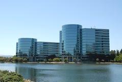 Edificios de oficinas fotos de archivo