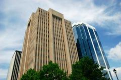 Edificios de oficinas céntricos Foto de archivo libre de regalías