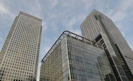 Edificios de oficinas Canary Wharf Londres Imágenes de archivo libres de regalías