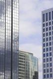 Edificios de oficinas corporativos Imágenes de archivo libres de regalías