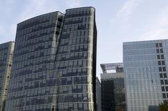 Edificios de oficinas de la arquitectura moderna Imagen de archivo