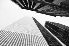 Edificios de oficinas en Manhattan imágenes de archivo libres de regalías