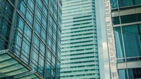 Edificios de oficinas de los rascacielos de cristal de Londres, Brexit almacen de metraje de vídeo