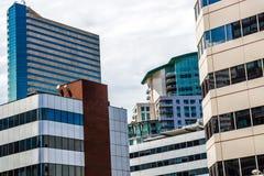 Edificios de oficinas modernos de ciudad en Denver Colorado Imagen de archivo libre de regalías