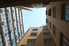 Edificios de oficinas viejos Fotografía de archivo libre de regalías