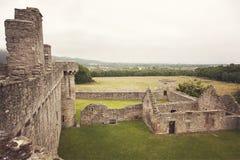 Edificios del castillo de Craigmillar imagenes de archivo
