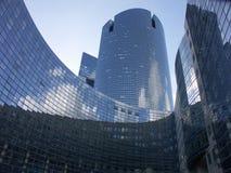 Edificios del cielo azul fotografía de archivo
