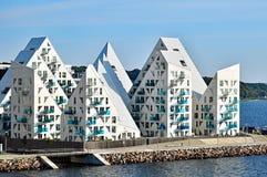 Edificios del iceberg complejo residencial del ` de Isbjerget del ` en Aarhus en Dinamarca Imágenes de archivo libres de regalías