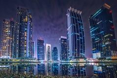 Edificios del jumeirah del puerto deportivo de Dubai Fotografía de archivo libre de regalías