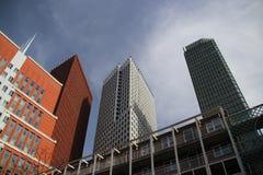 Edificios del ministerio en el centro de Den Haag The Hague como nueva construcción céntrica fotos de archivo