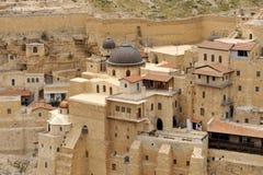 Edificios del monasterio de marcha Saba, Israel. foto de archivo