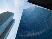 Edificios del negocio (Skyper y torre de plata) en Francfort, germen imagen de archivo libre de regalías