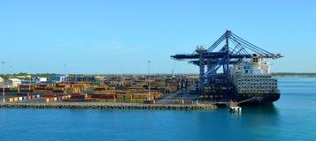 Edificios del puerto del cargo en las Bahamas Fotos de archivo