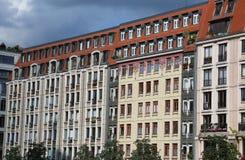 Edificios del renacimiento restaurados en Berlín del este con styl europeo Fotos de archivo