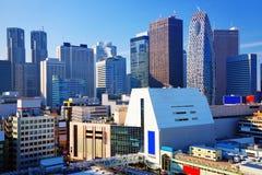Paisaje urbano de Tokio en la sala de Shinjuku Imagenes de archivo